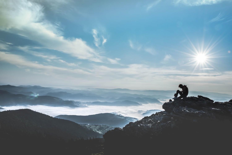 Vipassana et l'expérience du dépouillement, un article de Magali Defleur à retrouver sur www.feelingnative.com